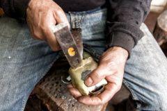 tonara - lavorazione dei campanacci